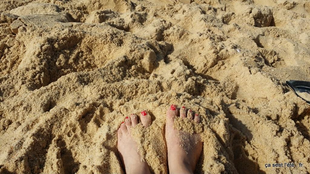 les pieds dans le sables plages de Hossegor